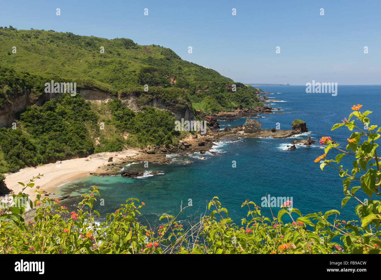 Secluded beach along the trail between Air Guling and Kuta I Lombok I Indonesia - Stock Image