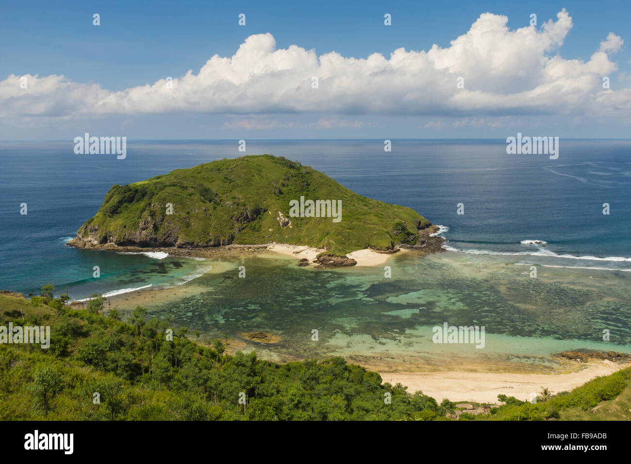 View to the islet Gili Nusa I Lombok I Indonesia - Stock Image