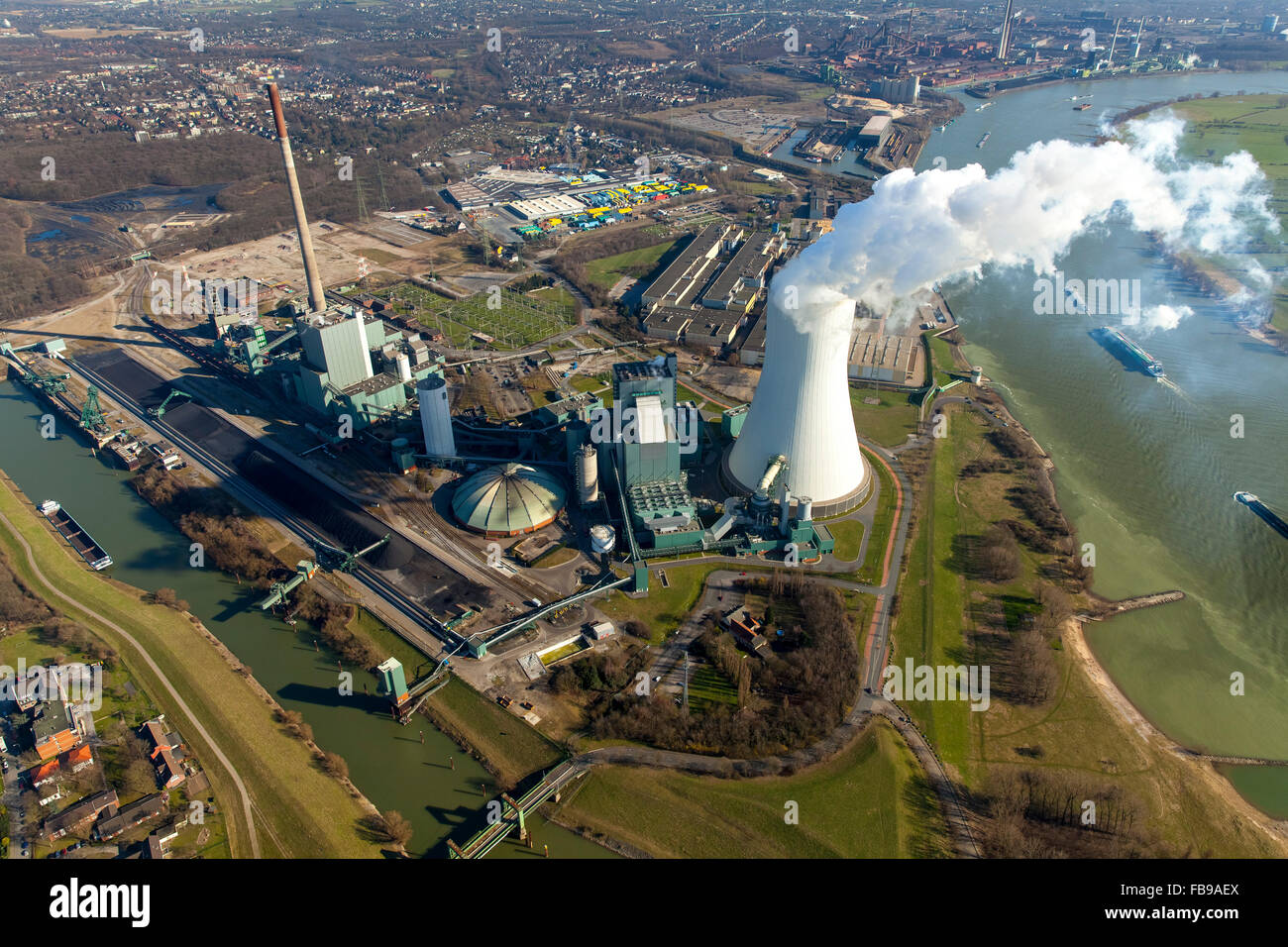 Aerial view, Kraftwerk Walsum with cooling tower and clouds of smoke,The Rhine,  STEAG power plant VI, Walsum, coal Stock Photo
