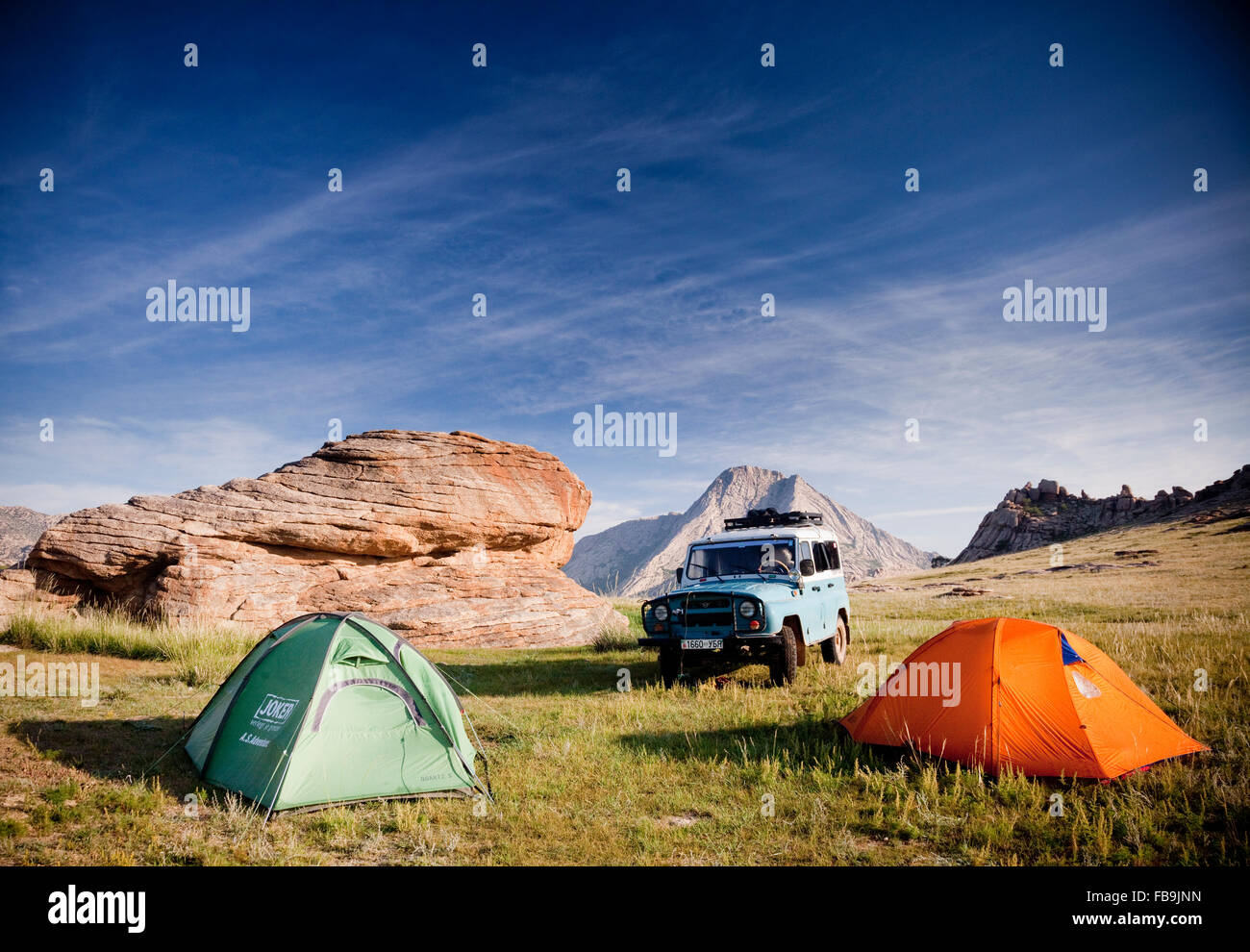 4X4 offroad camping in the Gobi Desert, Mongolia. Stock Photo