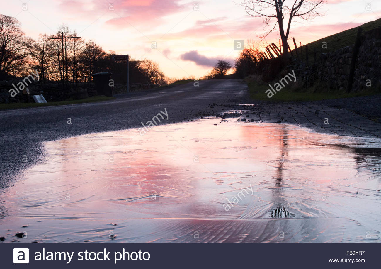 Holwick, Middleton-in-Teesdale, Co Durham, UK 13th January 2016. The old weather saying 'Red sky in the morning, - Stock Image