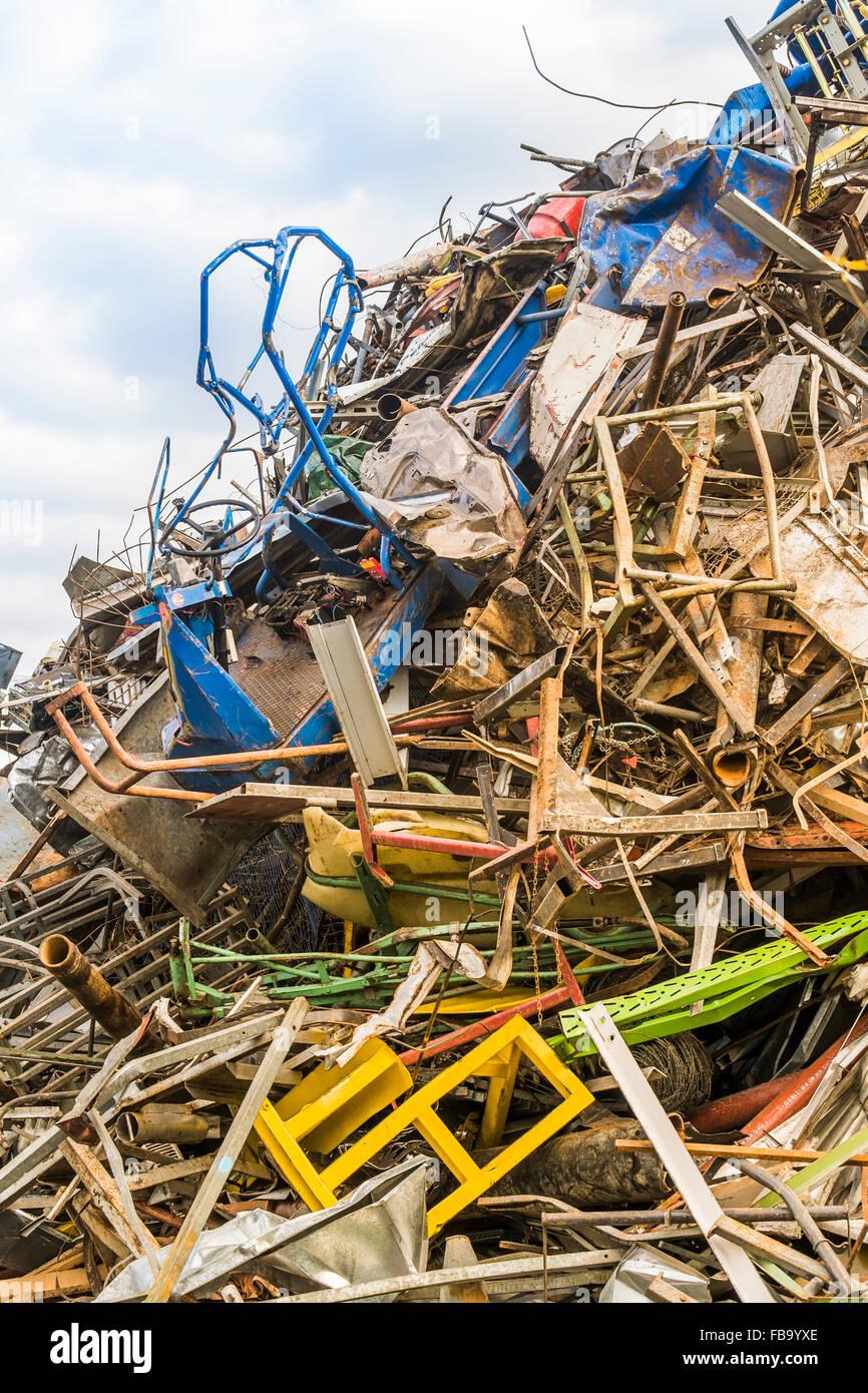 piled up scrap at a scrapyard, plochingen, , baden-wuerttemberg, germany - Stock Image