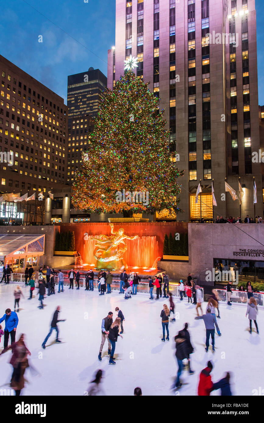 Rockefeller Center Ice Rink New York Stock Photos & Rockefeller ...