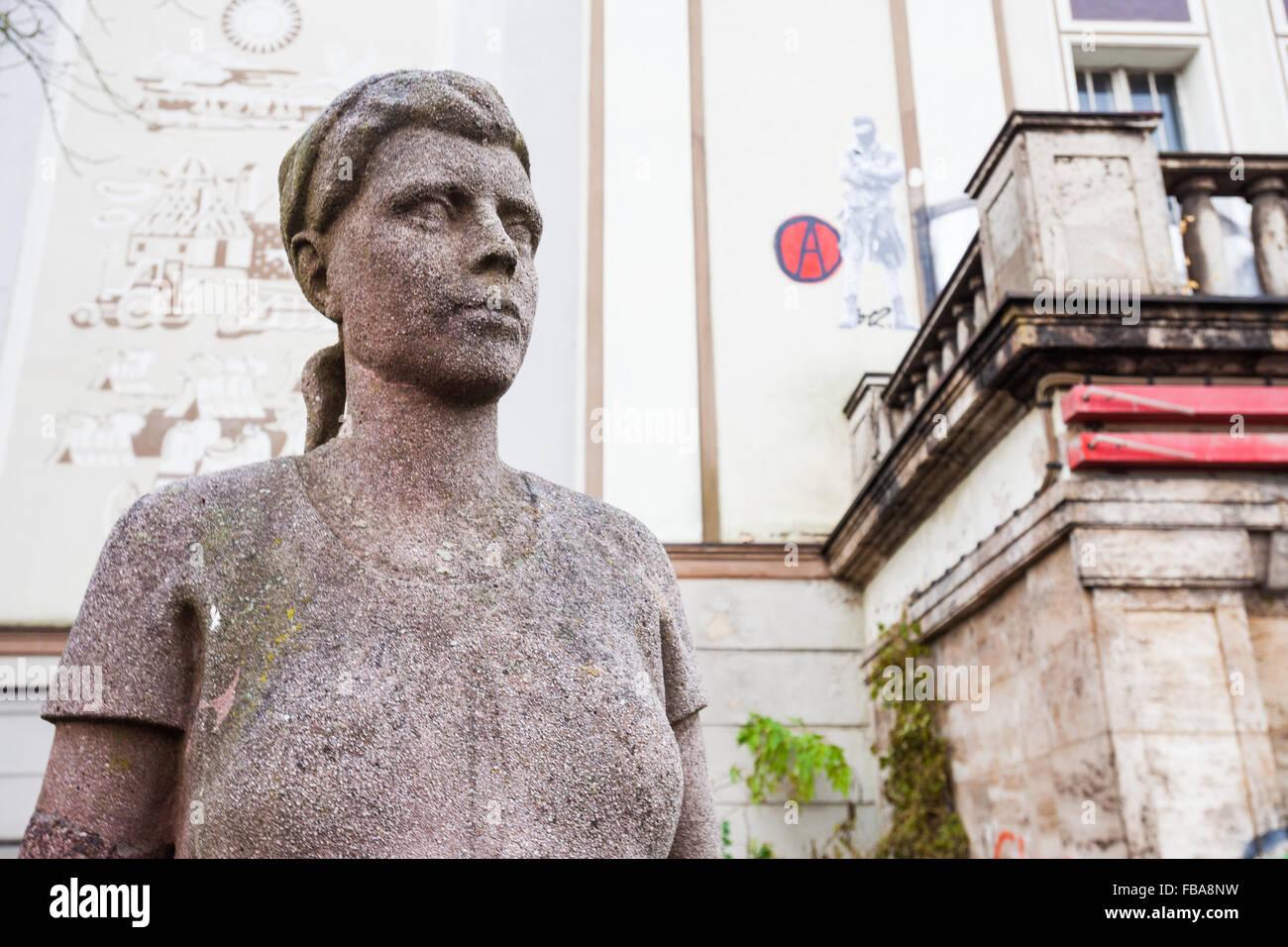Truemmerfrau statue by Edmund Neutert, Lichtspieltheater der Jugend, Frankfurt Oder Stock Photo