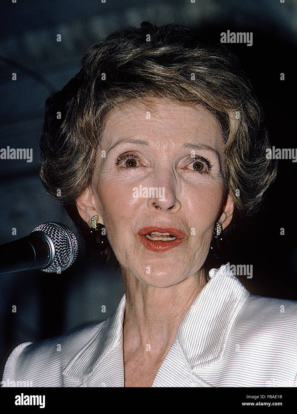 Washington, DC., USA,  May 1987 First Lady Nancy Reagan attends the White House News Photographers Annual Black - Stock Image