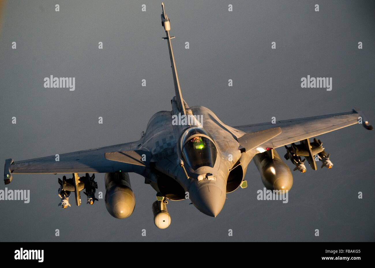 A French F-2 Rafale fighter jet during a mission over Iraq in support of Operation Inherent Resolve January 8, 2016. - Stock Image