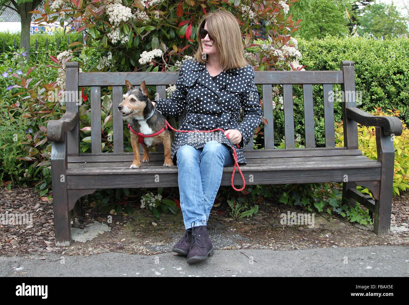 Awesome Woman Sitting On Park Bench With Small Dog Waiting For Frankydiablos Diy Chair Ideas Frankydiabloscom