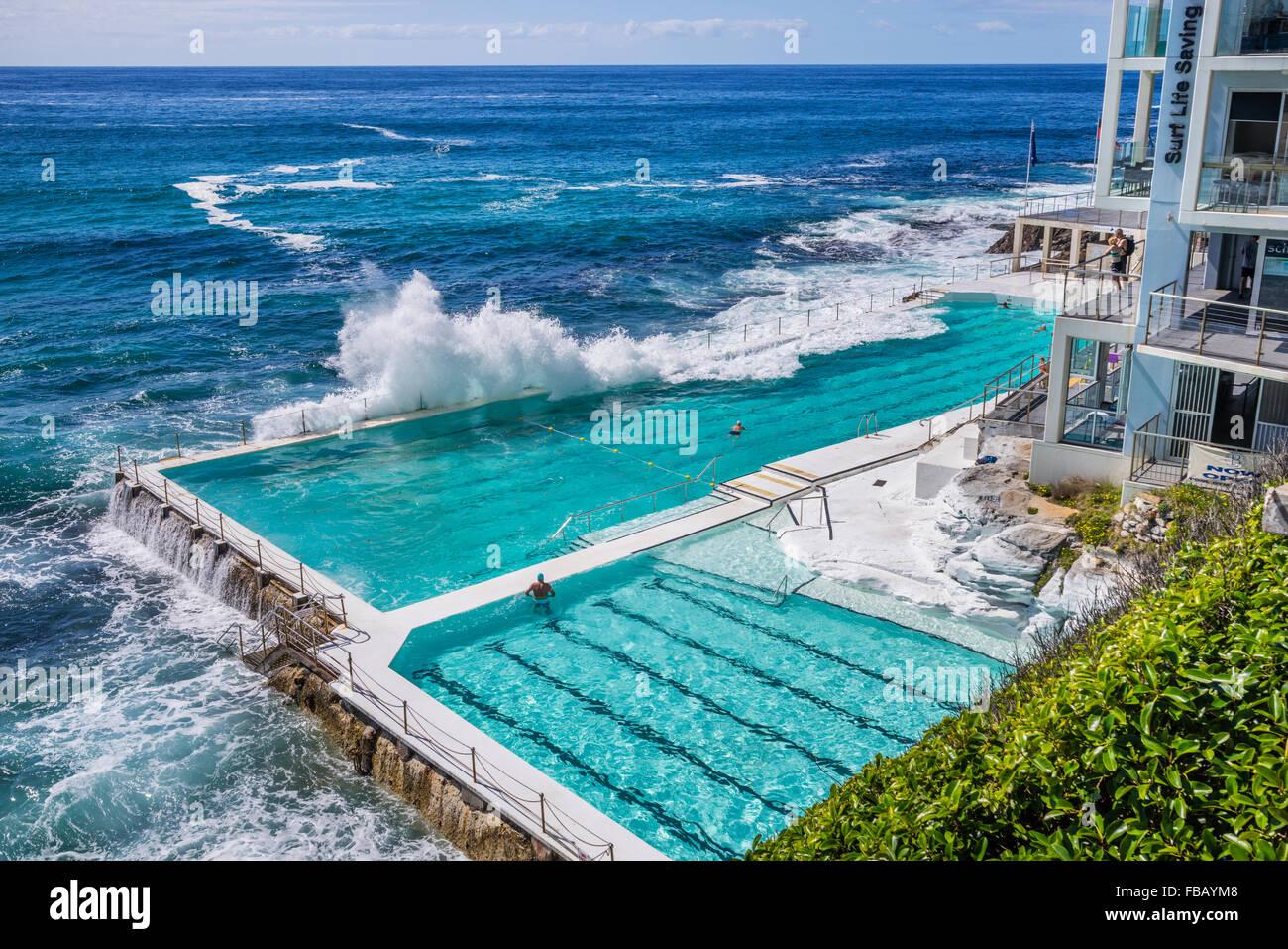 Waves Crashing Into The Swimming Pool Of The Bondi Icebers Swimming Stock Photo 93054312 Alamy