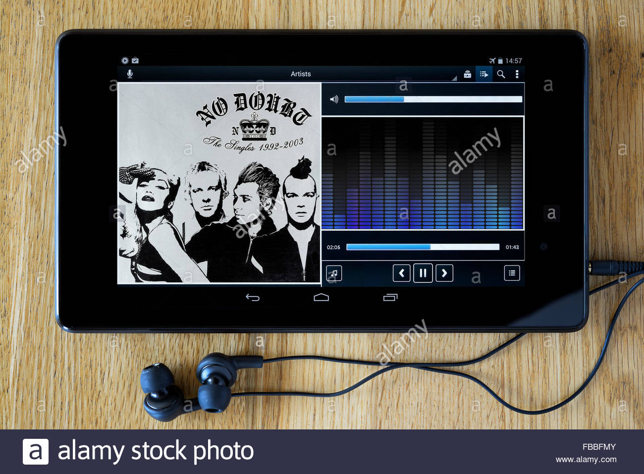 No Doubt 2003 Singles compilation album, MP3 album art on PC tablet, England - Stock Image