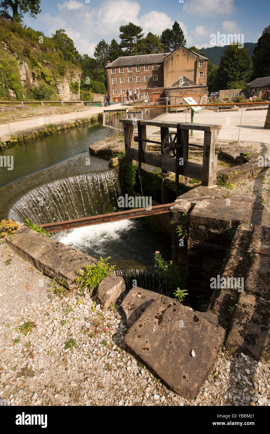 UK, England, Derbyshire, Cromford Mill, weir controlling water level to main waterwheel - Stock Image