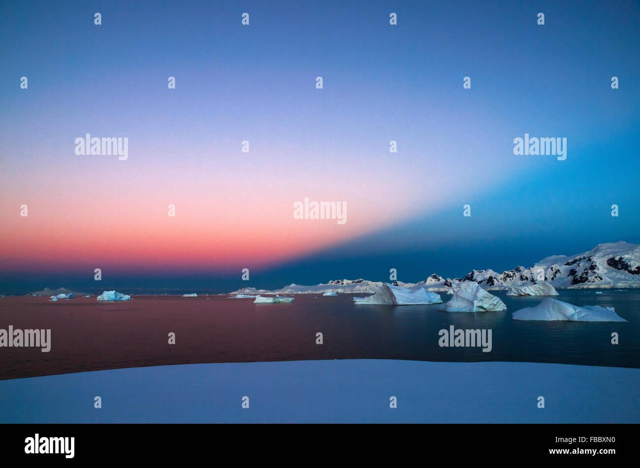 Last rays of sun, Antarctic Peninsula - Stock Image