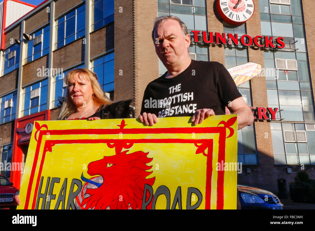 Uddingston, UK. 14th Jan, 2016. The Nationalist group 'Scottish Resistance'  held a demonstration outside - Stock Image