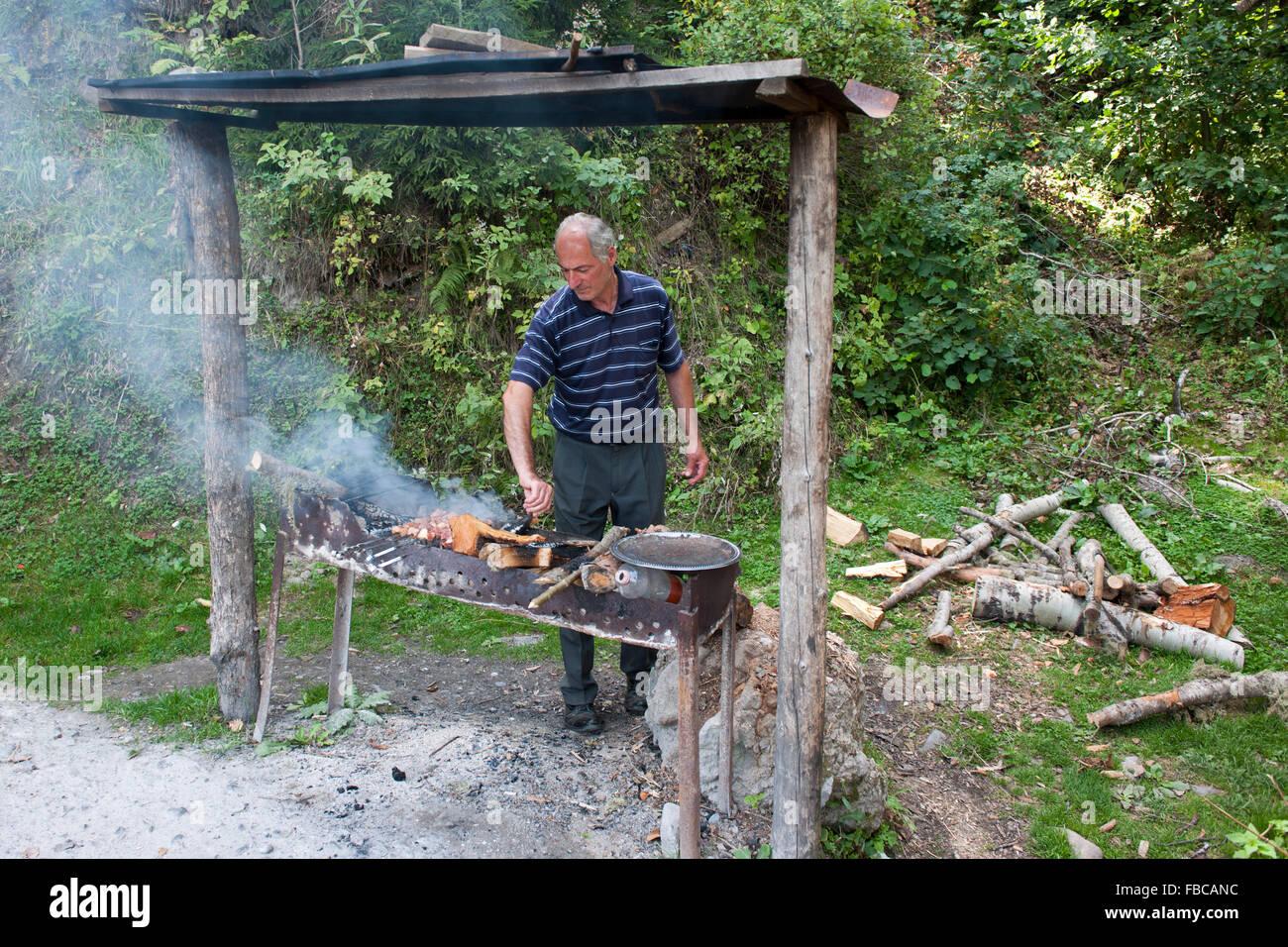 kleiner grill stock photos & kleiner grill stock images - alamy