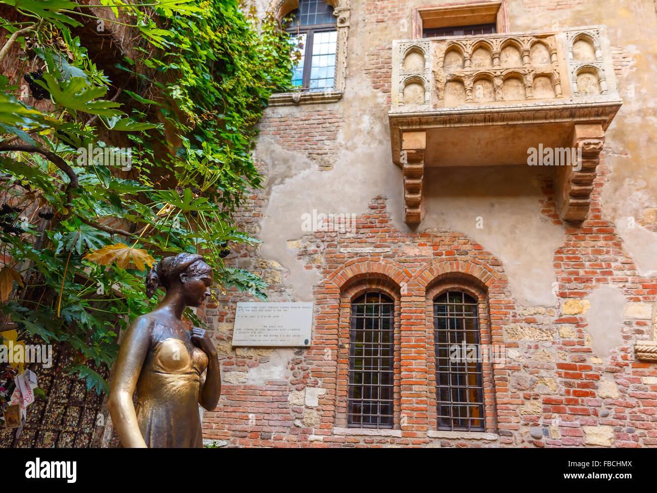 Romeo and Juliet balcony in Verona, Italy - Stock Image