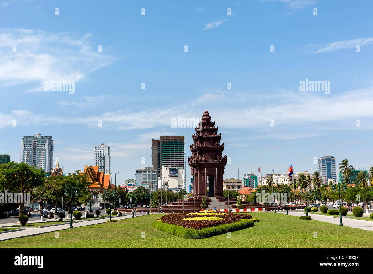 Independence Monument on Sihanouk Boulevard, Neak Banh Teuk Park avenue, Phnom Penh, Cambodia Stock Photo