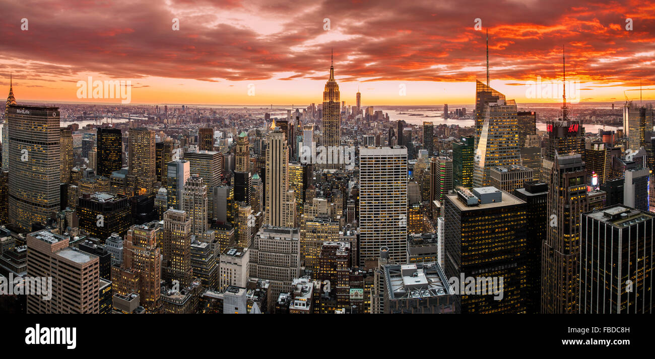 Panoramic view over Midtown Manhattan skyline at sunset from the Top of the Rock, New York, USA Stock Photo