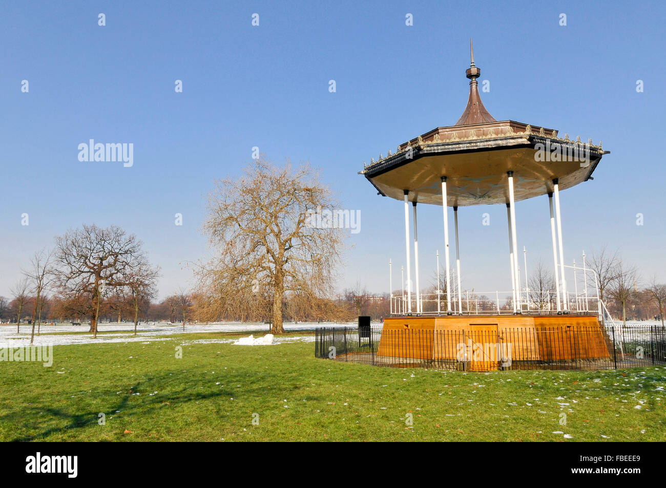 Bandstand in Kensington Gardens in Snow - Stock Image
