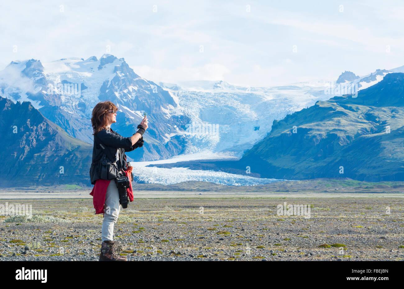 Iceland majestic glaciers with snow called Svinafellsjokull on right and Skaftafellsjokill in Skaftafell National - Stock Image