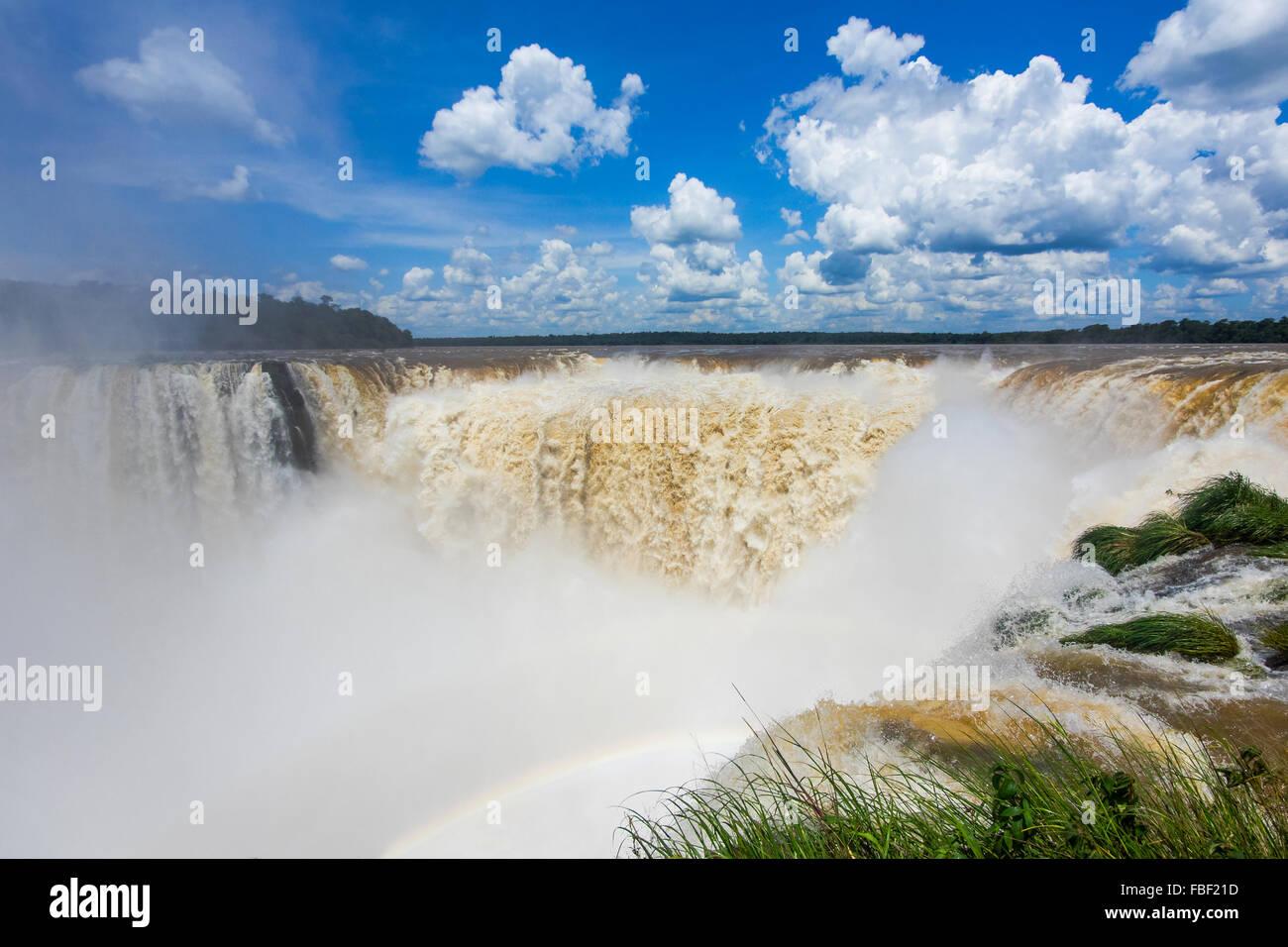 View of Devil's Throat (Garganta del Diablo), the largest cascade at Iguazu Falls, on the border of Argentina - Stock Image