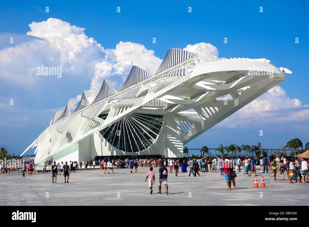 People visiting the Museum of Tomorrow, designed by Spanish architect Santiago Calatrava, in Rio de Janeiro, Brazil. - Stock Image