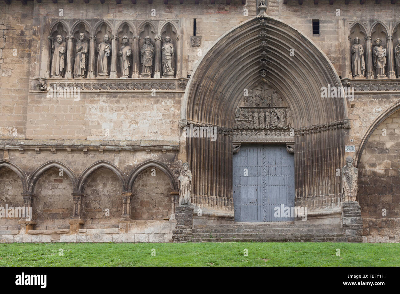 Gothic facade of the Church of Holy Sepulchre in Estella-Lizarra - Navarre, Spain. - Stock Image