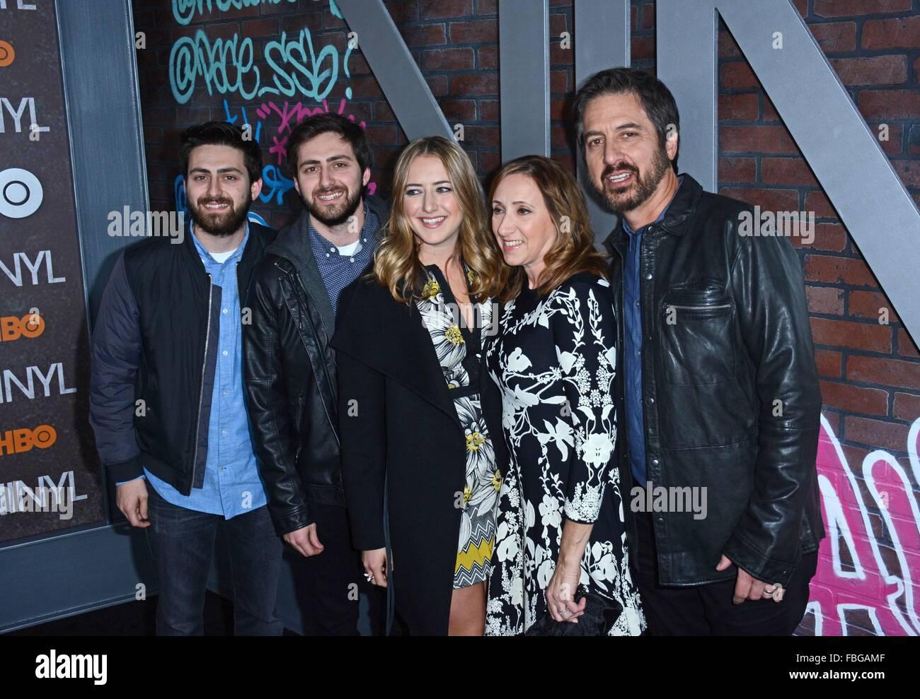 New York Ny Usa 15th Jan 2016 Ray Romano With Wife