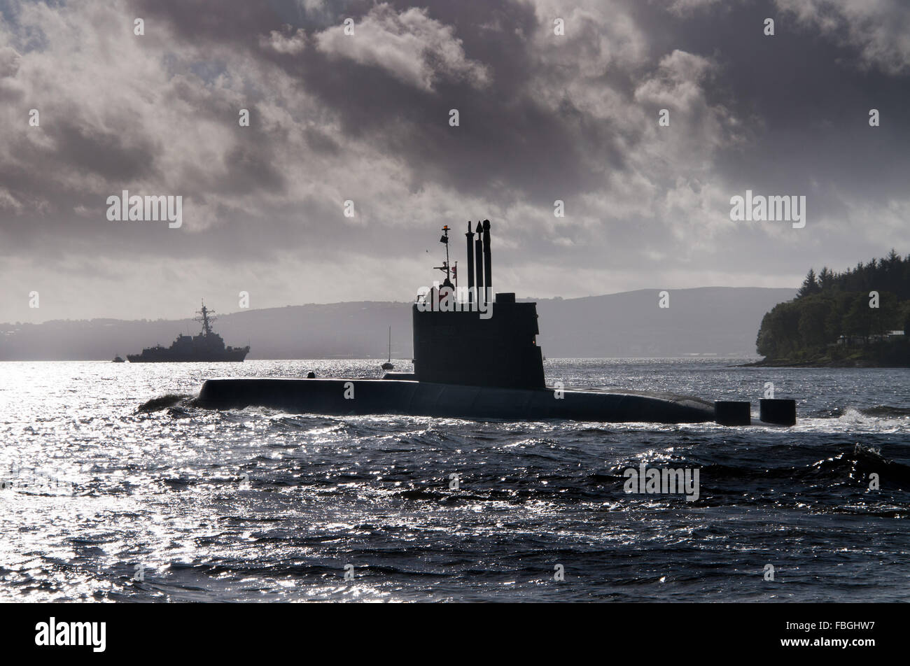 Submarine Ula of the Norwegian Navy and the destroyer USS Nitze - Stock Image