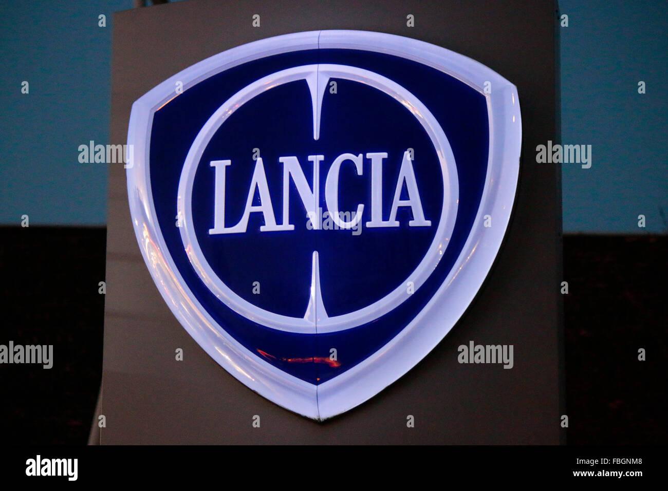 auto car lancia logo stock photos & auto car lancia logo stock
