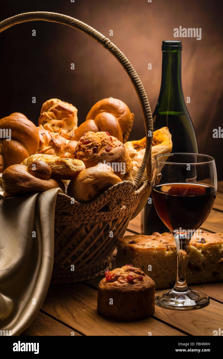 Bread and wine, Food and drink, continental breakfast, bread and bakes, breads in a basket, - Stock Image