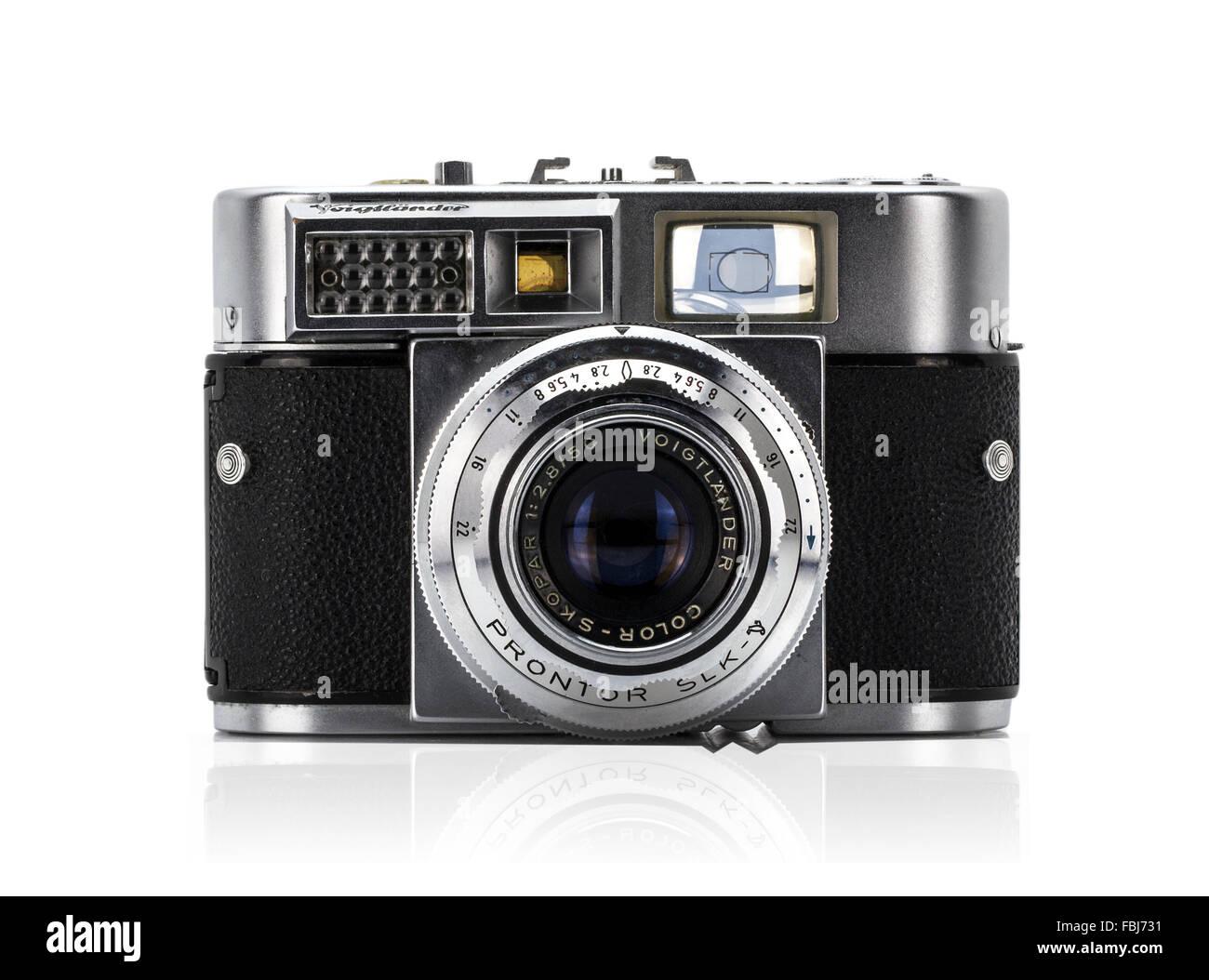 VINTAGE Voigtlander Vitomatic II A 35mm Rangefinder Film Camera - Stock Image