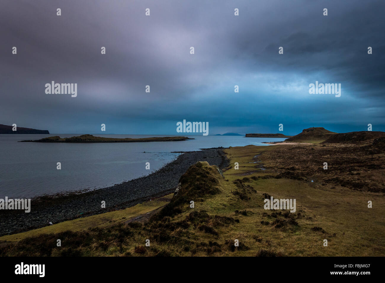 Coral Beach at sunset looking out to sea.  An Dorneil, Loch Dunvegan, Isle of Skye, Inner Hebrides, Scotland, UK - Stock Image