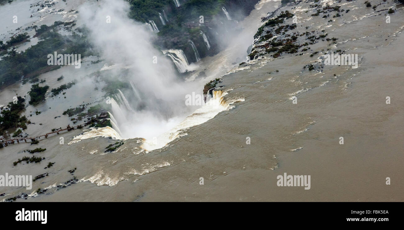 Looking down the Iguazu River towards the Devil's Throat, Foz do Iguacu, Brazil Argentina Border - Stock Image