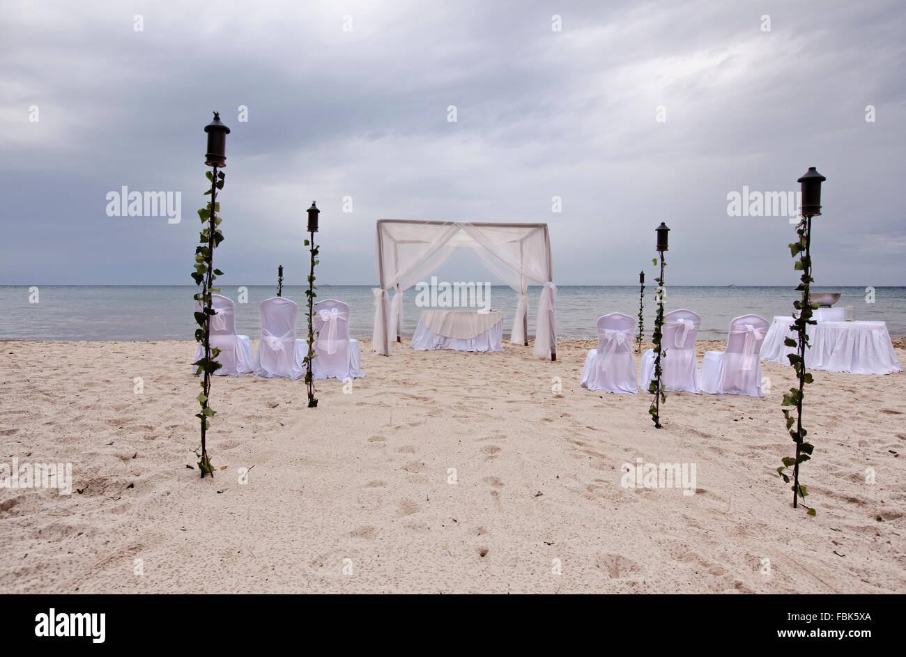 outdoor beach wedding gazebo - Stock Image