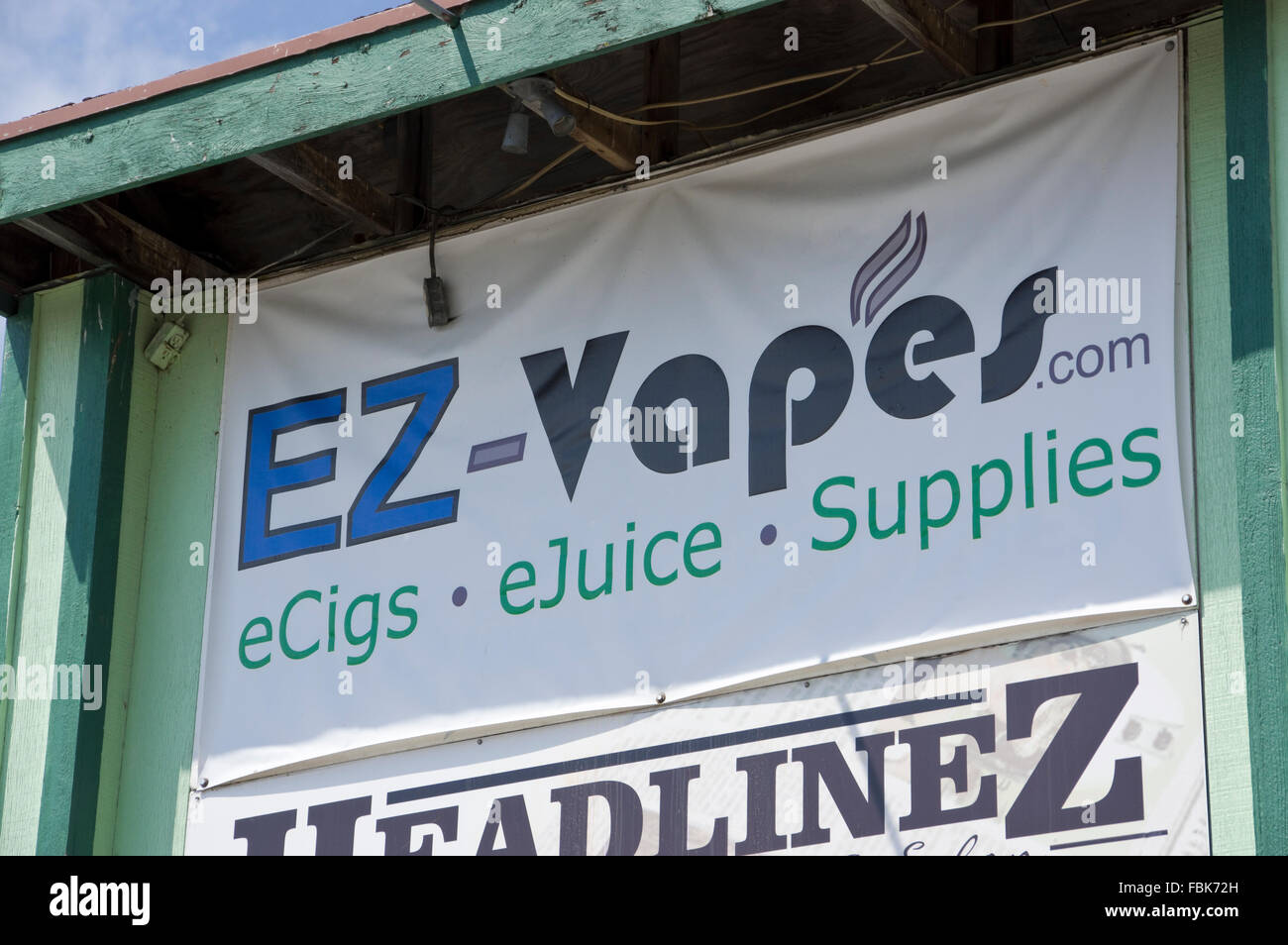 Sign for EZ Vapes Shop Electronic Cigarette and juice dealer Green Bay, Wisconsin - Stock Image