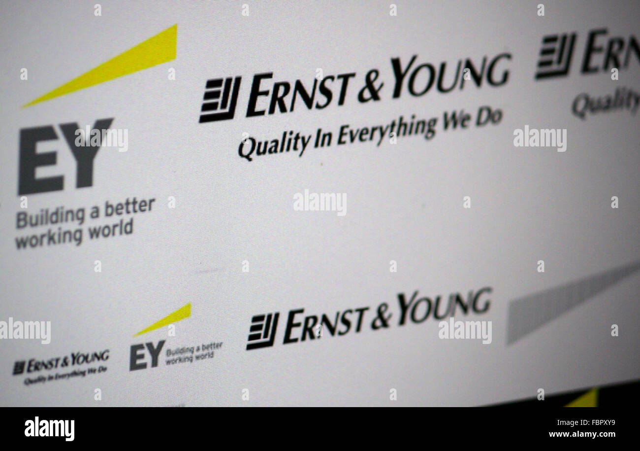 Markenname: 'Ernst & Young'. - Stock Image