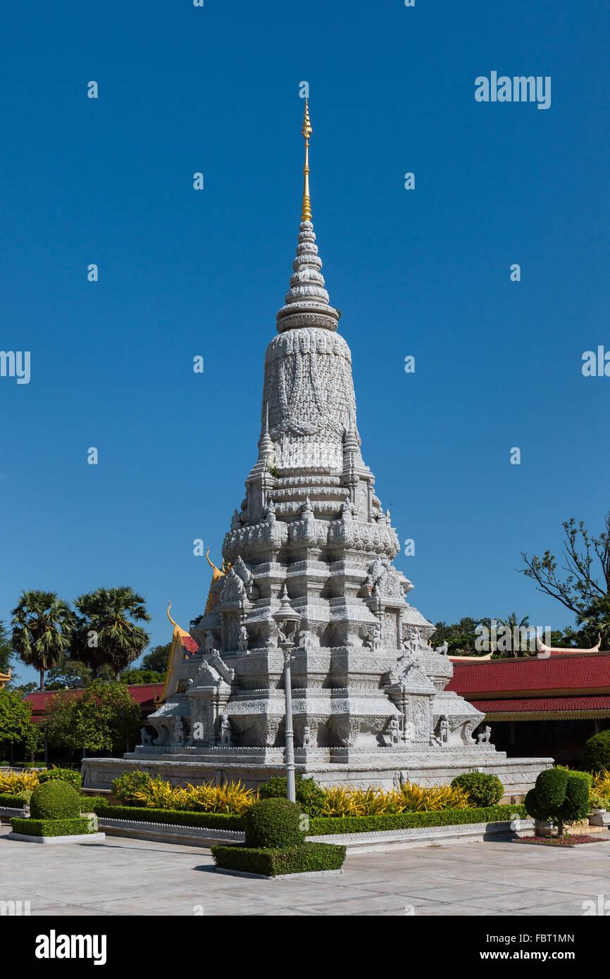 Stupa of King Ang Duong, Silver Pagoda complex, Royal Palace, Phnom Penh, Cambodia - Stock Image