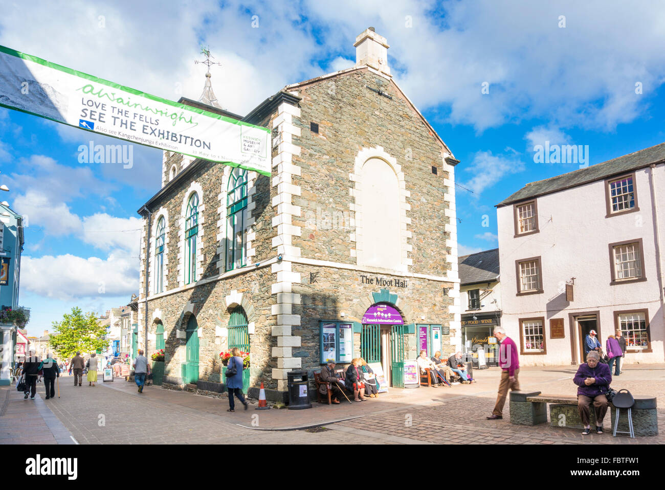 The Moot Hall tourist information centre in Keswick town centre Lake district Cumbria England GB UK EU Europe - Stock Image