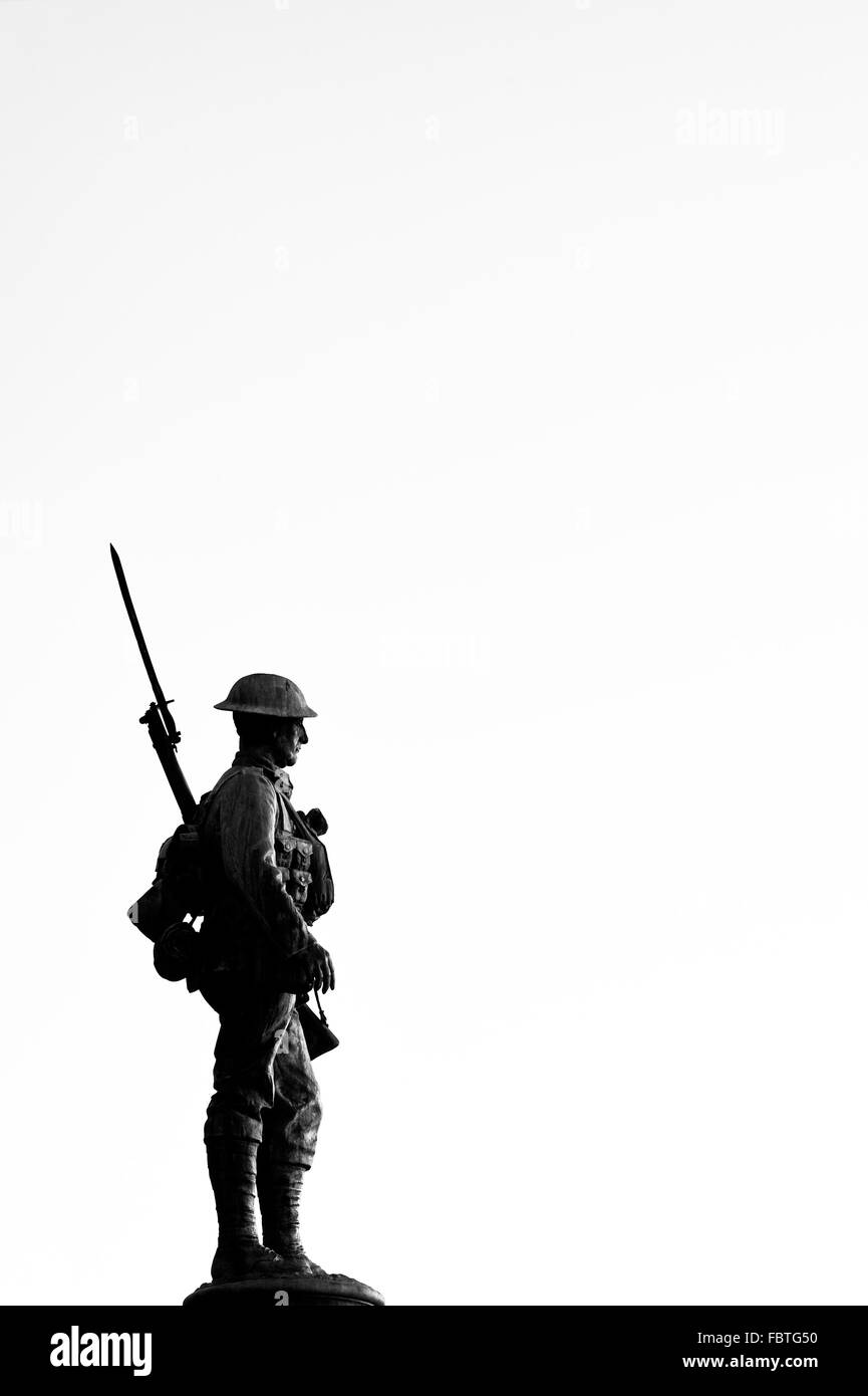 Soldier Statue silhouette. World war 1 and 2 memorial. Evesham, Worcestershire, England. Black and White - Stock Image