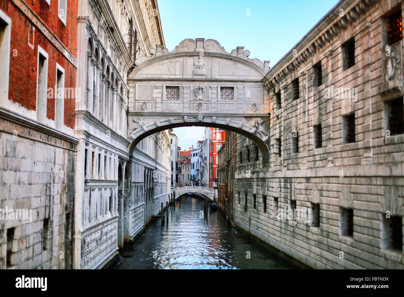View of Bridge Of Sighs over canal - Stock Image