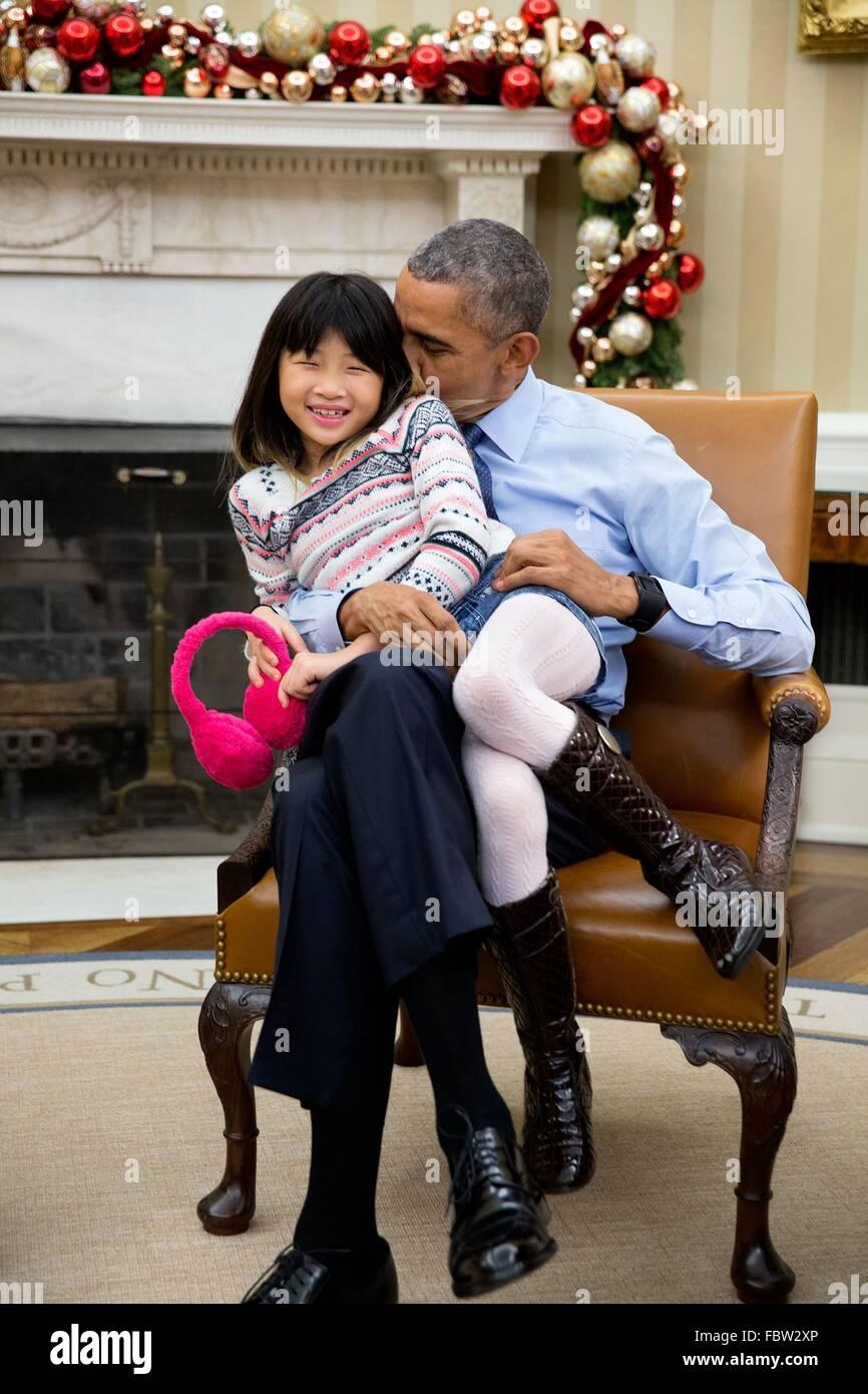 U S President Barack Obama Snuggles With His Niece Savita