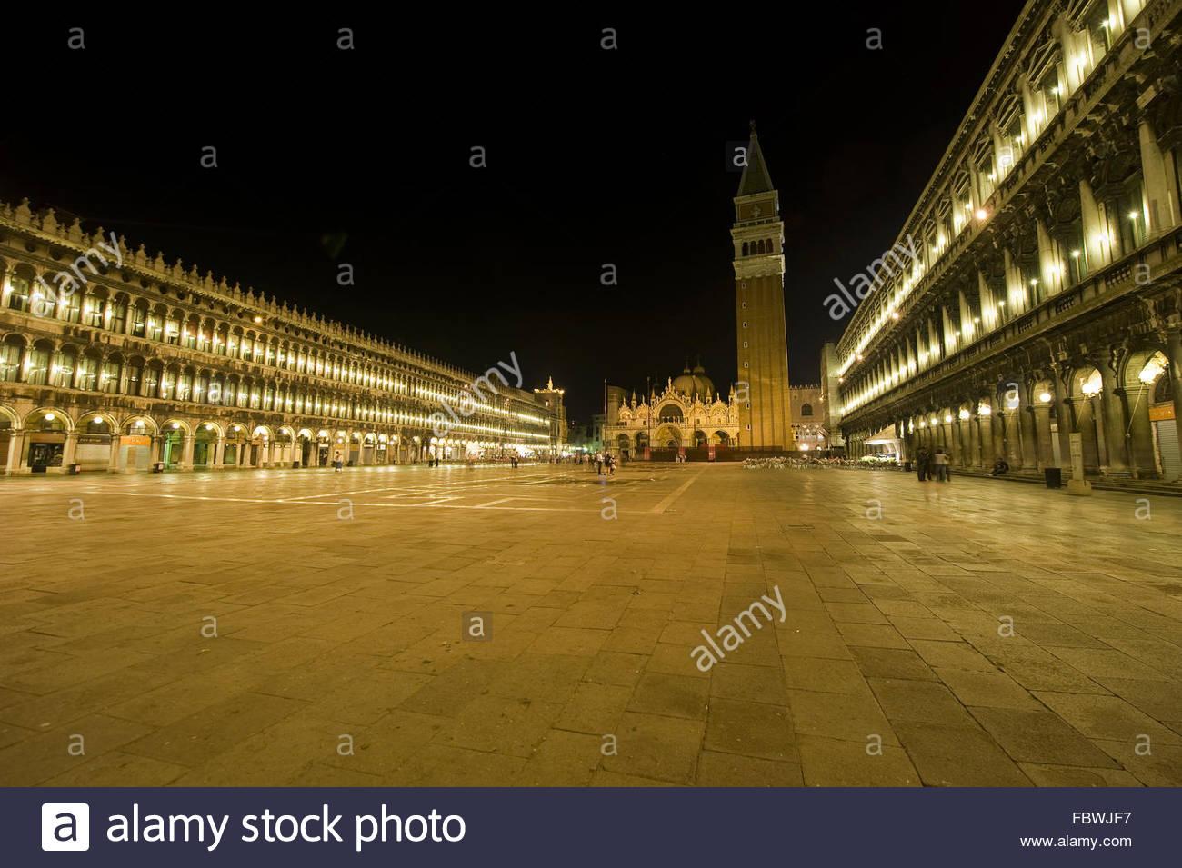 Venedig: Markusplatz bei Nacht - Stock Image