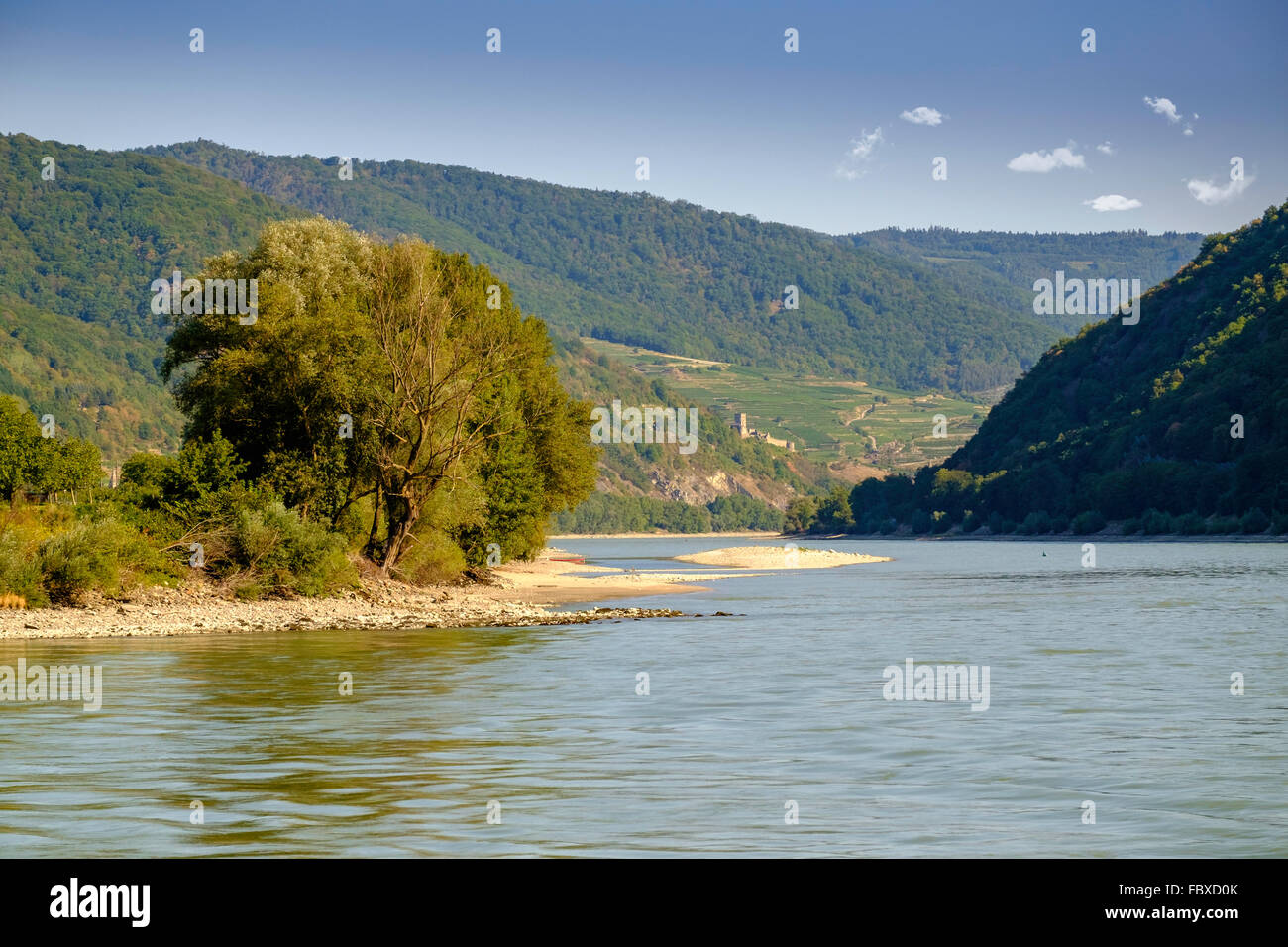 Fantastisch Charmant Ruins Of Hinterhaus Castle On River Danube In Wachau Valley  Austria Europe. Stock Image