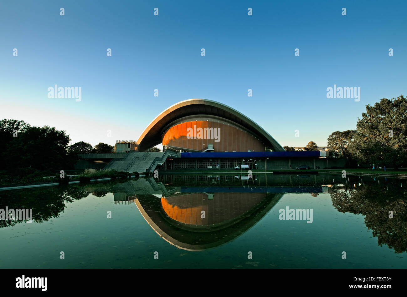 Berlin Haus der kulturen der Welt - Stock Image