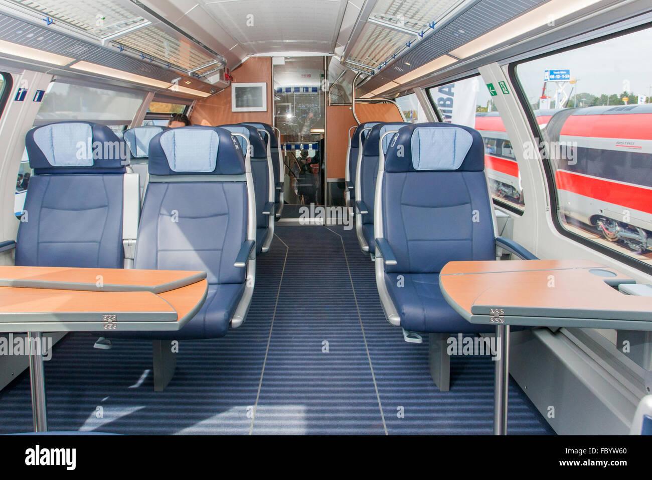 https://c8.alamy.com/comp/FBYW60/intercity-double-deck-trains-for-deutsche-bahn-FBYW60.jpg
