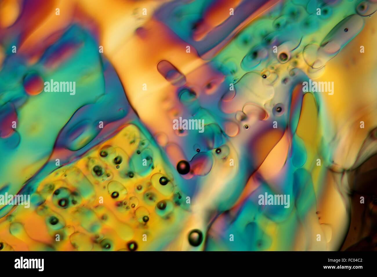 Eiskristalle im polarisiertem Licht. - Stock Image