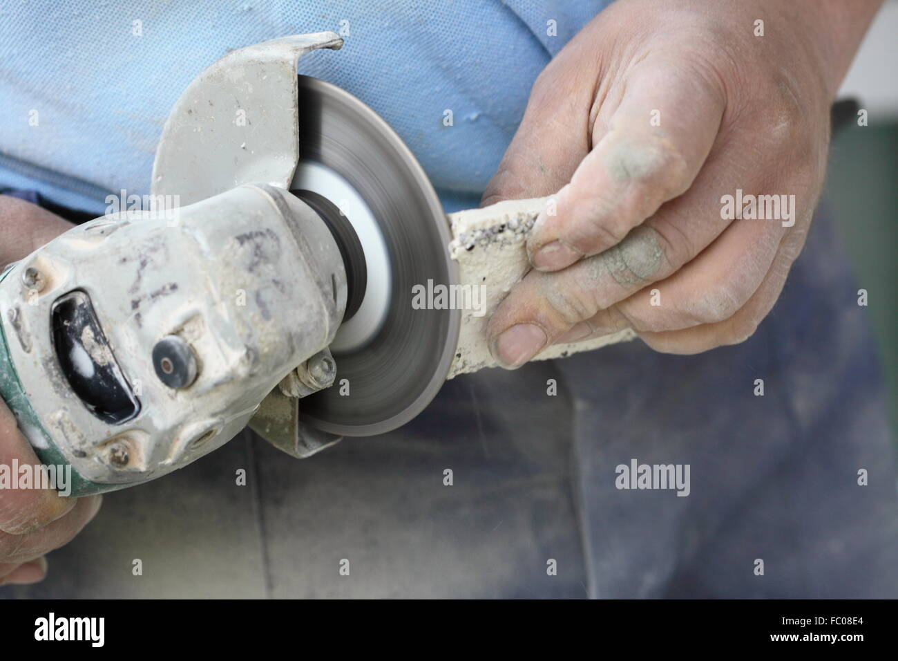 Cutting Tile With Angle Grinder Topsimages