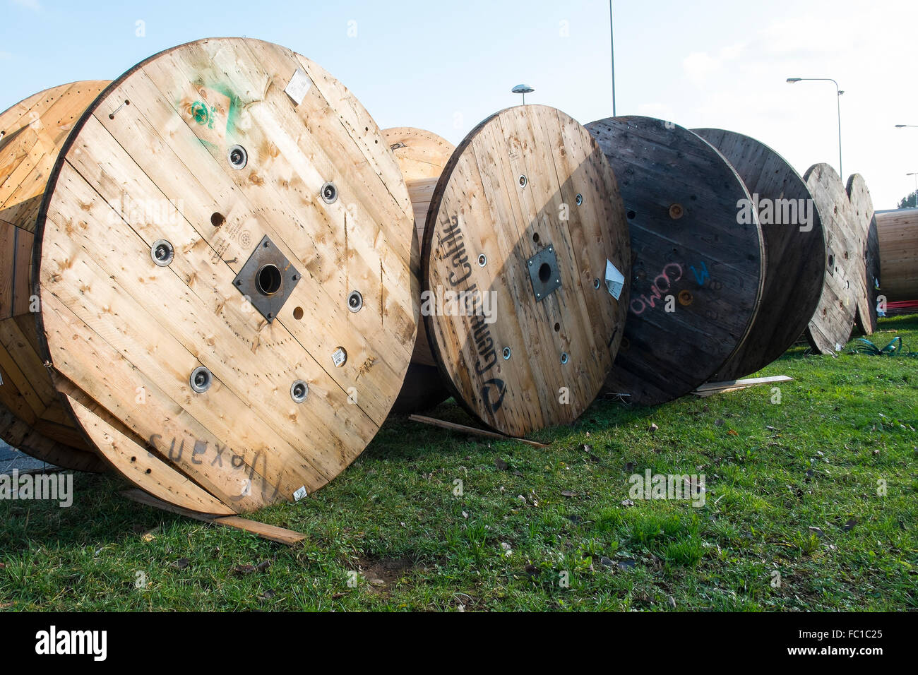 large wood spools for electric wire Stock Photo: 93459133 - Alamy