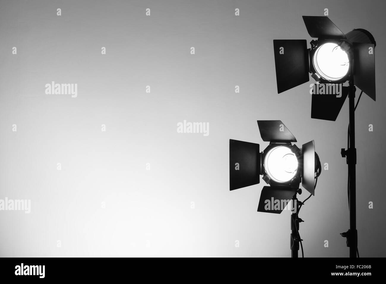 Empty photo studio with lighting equipment & Empty photo studio with lighting equipment Stock Photo: 93471795 - Alamy