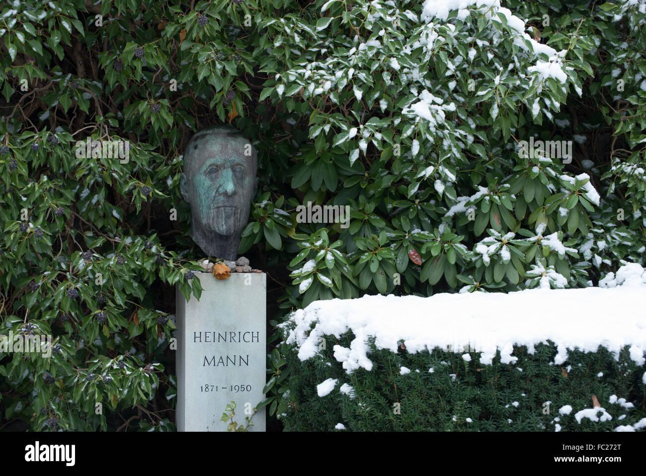 Dorotheenstadt cemetery Berlin,grave of Heinrich Mann, Germany - Stock Image