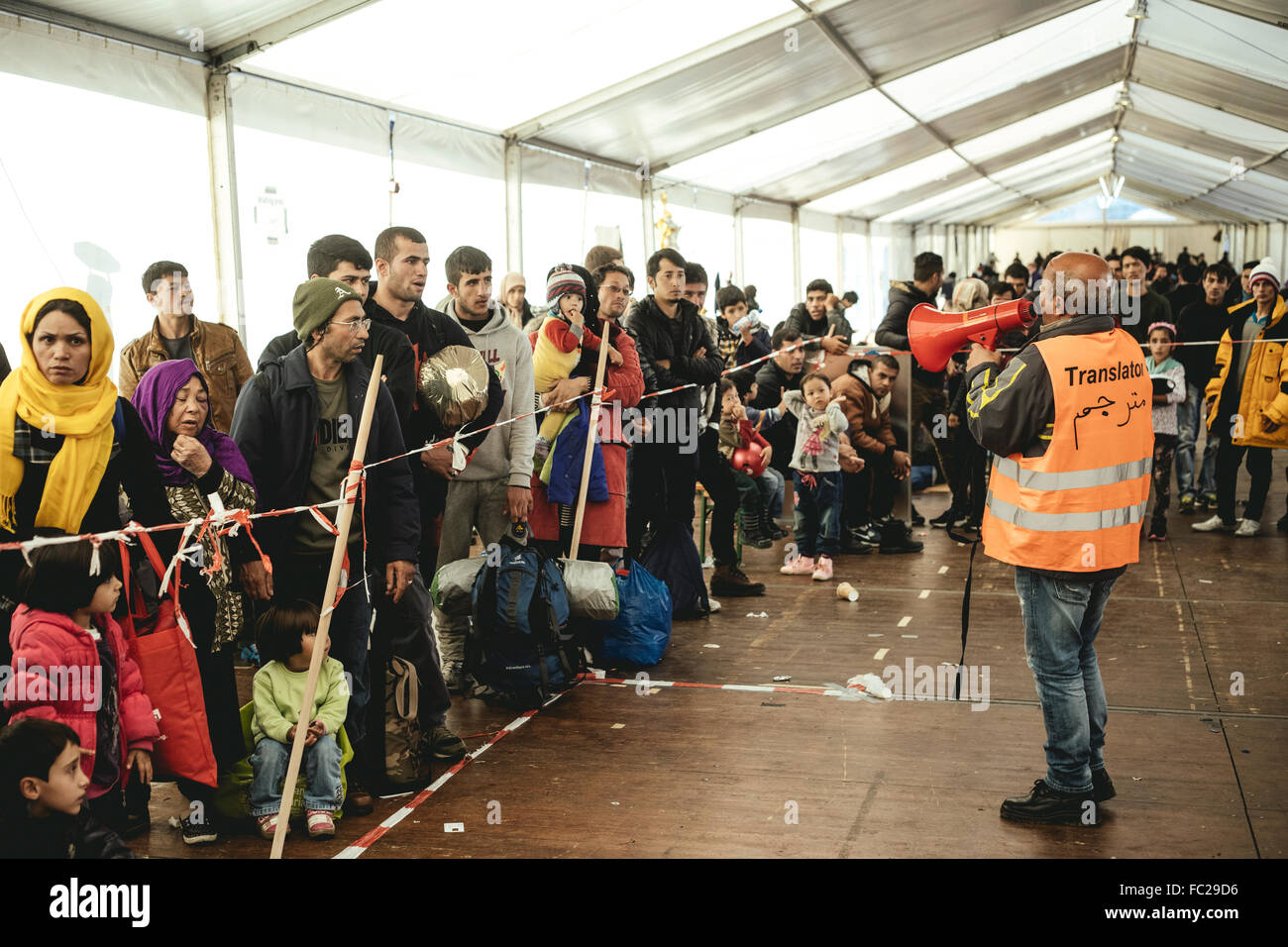 Queue before the journey to Germany, refugee camp, first reception facility on the border with Austria, Wegscheid, - Stock Image